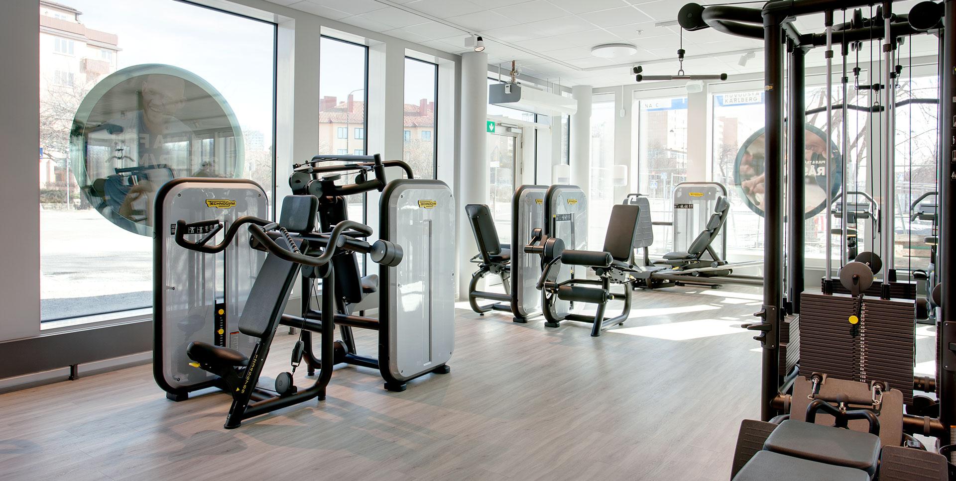Puls & Träning Råsunda, styrketräningsmaskiner